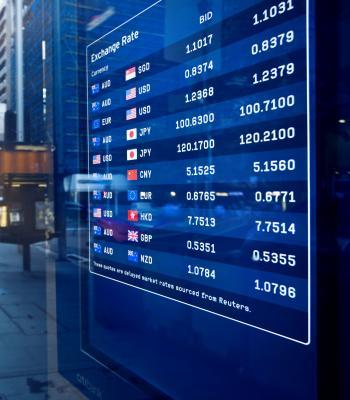 Exchange rate electronic board